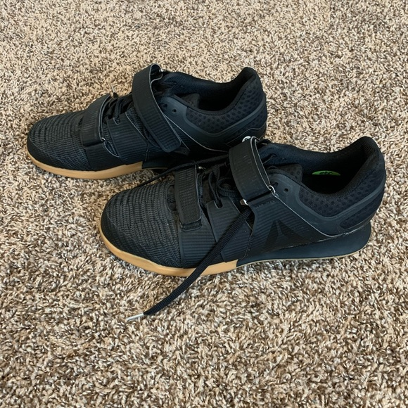 Reebok Shoes   Mens Wit Legacy Lifter